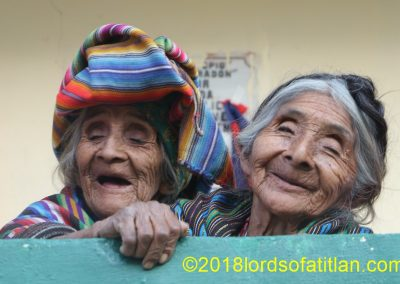 Poor but happy these sisters, from Chua Chajil, Santa Catarina Ixtahuacán.