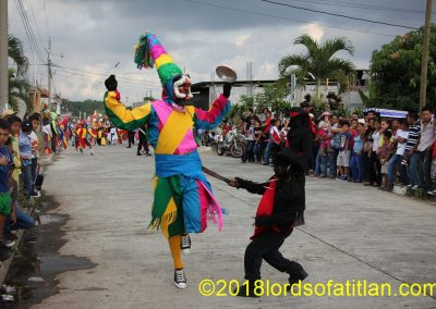 This is El Shutillo Samayac-style in the Fair of the Virgin of Concepción, Dec. 8th. Here, however, the men do not battle with Jude Iscariot as they do in San Andrés Semetabaj. In contrast, they simply flog him as he passes.