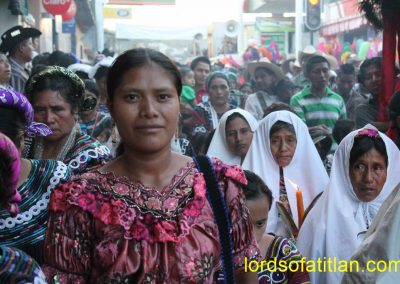 The beautiful woman in foreground is from a small community within Joyaba., However, she wears a blouse from Santa Cruz del Quiché.