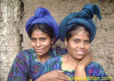 Sisters, Santa Catarina Palopó