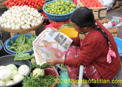 This photo of a vegetable vendor in La Democracia, Xela  may be a bit off-color, but its funny as hell.  The women of Almolonga and Zunil  sell vegetables larger and more beautifull than does this lady from El Llano del Pinal, but aided by chemical fertilizers and pesticides. For freshness, however, buy from her.