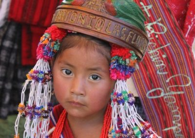 This infantile queen is from Aldea San Antonio llas Flores, Sumpango and therefore speaks kaqchiquel.